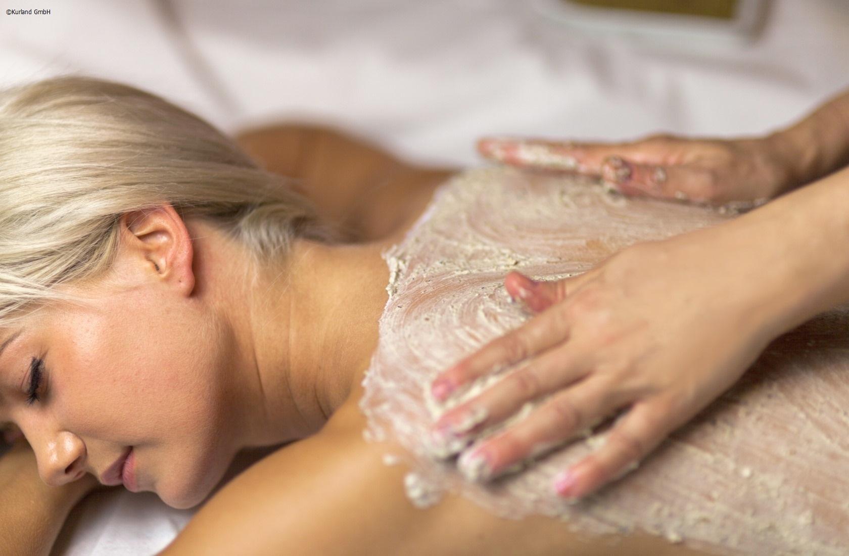 Rückenmassage mit Hand- oder Fussreflexzonenmassage