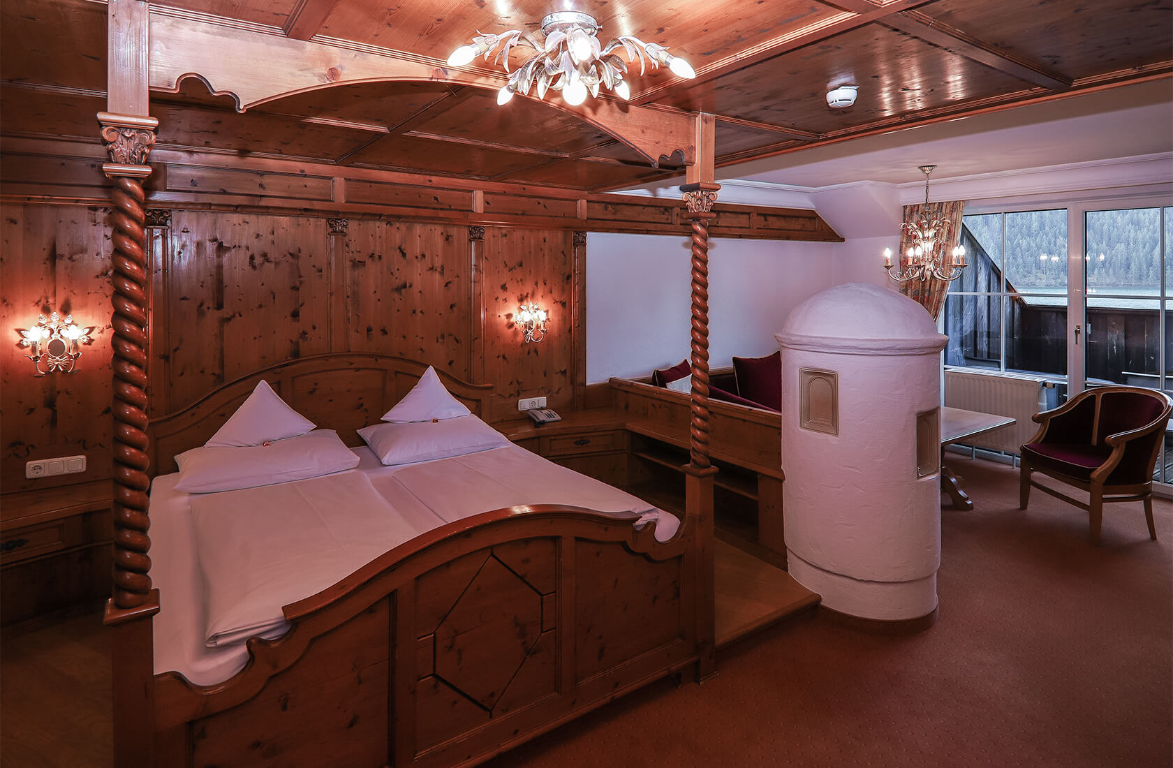 Viel Platz zum Wohlfühlen im Seeblickzimmer Loggia - Hotel Via Salina