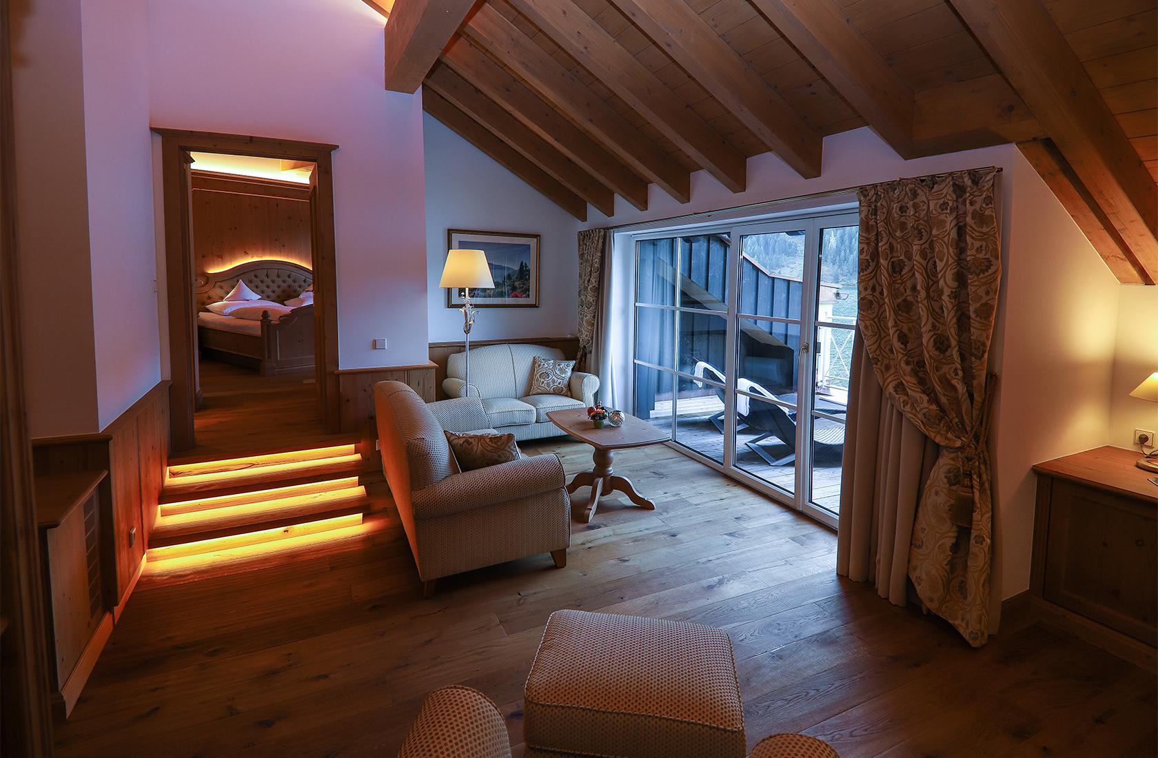 Wohnzimmer mit Berg und See panorama - Suite Panorama
