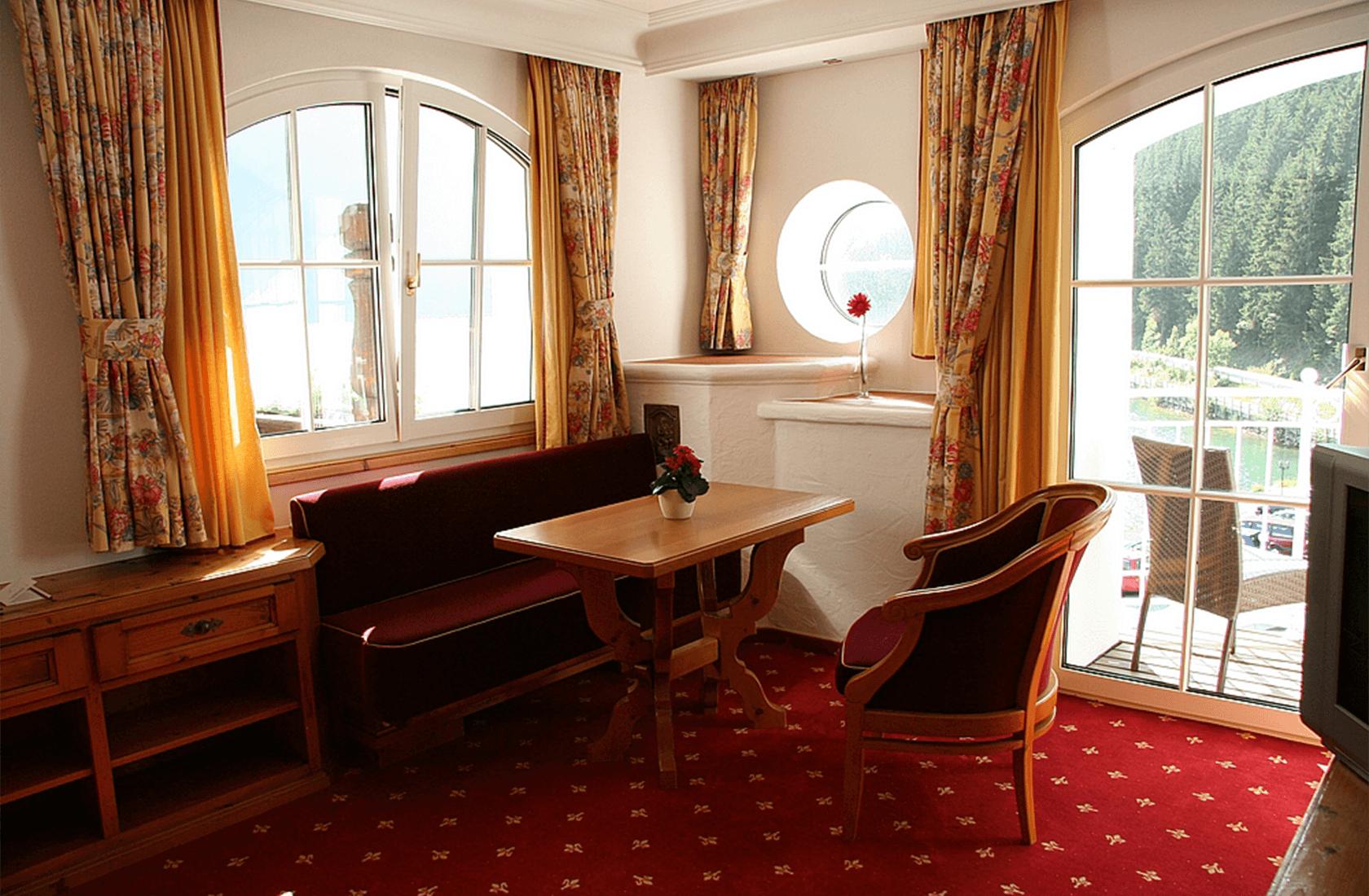 Romantische Abende im Turmzimmer mit Seeblick - Hotel Via Salina