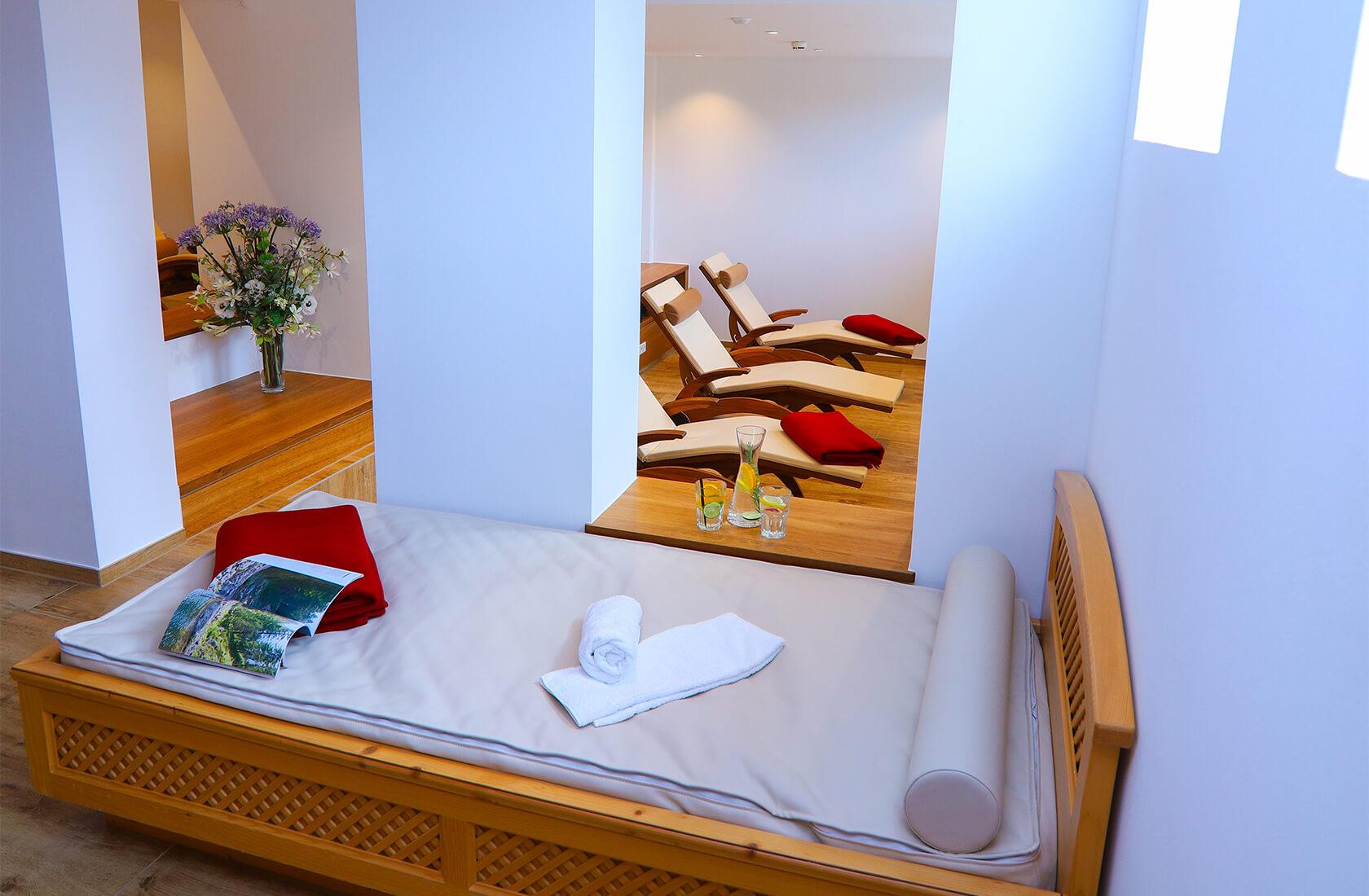 Ruheraum mit Wasserbetten im Hotel Via Salina