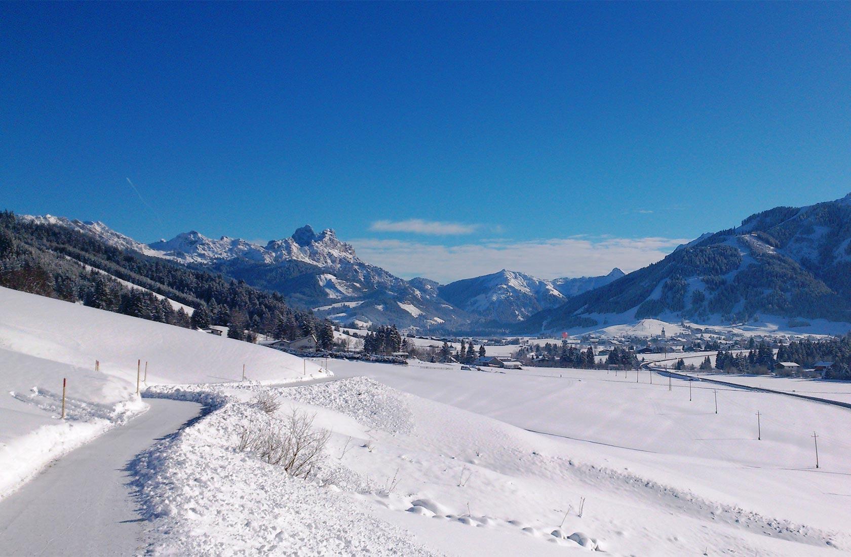 Winter Urlaub mit wandern im Tannheimer Tal in Tirol
