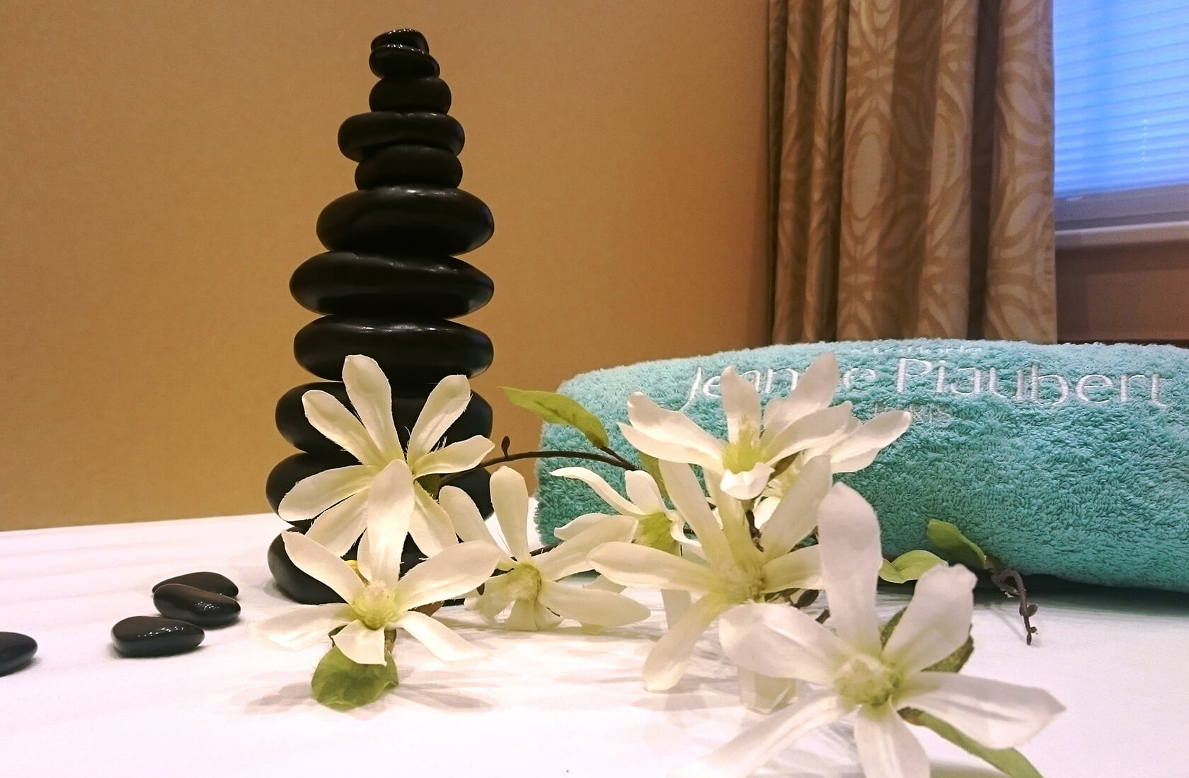 Hot Stone Massage ab 79EUR
