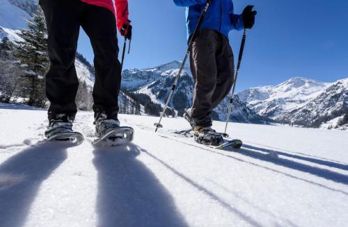 Schneeschuhwander Erlebnis im Urlaub in Tirol
